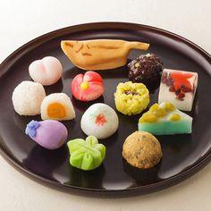 Japanese Sweets, 一つ一つ丁寧に仕上げた和菓子の詰め合わせ。【季節の和菓子】