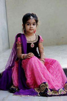 Soooo cute in pink n black langa blouse.........