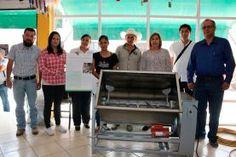 - Invierten más de 30 millones de pesos durante el ejercicio 2016 Mary Amador Covarrubias, presidente municipal de Landa de...