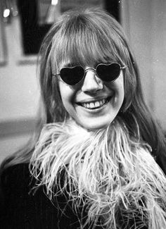 Marianne and her heart shaped glasses 60s And 70s Fashion, Fashion Moda, Heart Sunglasses, Sunglasses Women, Vintage Sunglasses, Womens Fashion Online, Latest Fashion For Women, Cat Eye Colors, Heart Shaped Glasses