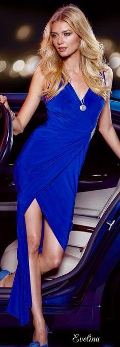 Elie Saab, Azul Real, Blue Fashion, Womens Fashion, Glamour, Color Azul, Shades Of Blue, Evening Gowns, Royal Blue