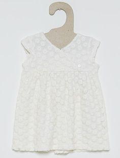 Vestido de ceremonia Bebé niña 15,00€ Vestidos Estará preciosa con su vestido de tul. - Vestido de ceremonia - De tul bordado - Forro de algodón puro - Cierre trasero