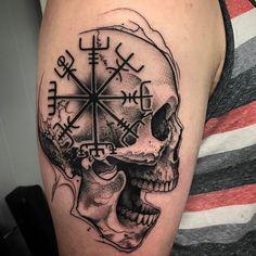 Norse symbols a skull