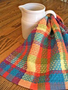Handwoven towel  huck weave plaid rainbow par ThistleRoseWeaving