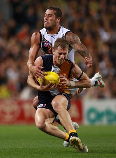AFL: West Coast Eagles defeat Hawthorn - 51-46 - Lance Franklin  http://footyboys.com