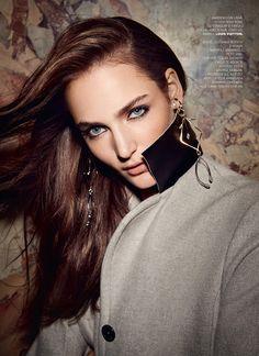 Zuzanna Bijoch | Elle Roménia Outubro 2016 | Editoriais - Revistas de Moda