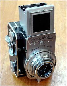 Antique Cameras, Old Cameras, Vintage Cameras, Classic Camera, Camera Equipment, Zeiss, Photography Camera, Video Camera, Rock Stars
