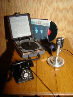 My first record player was in a suitcase like this | Source: tkm rabbit's photostream at Flickr