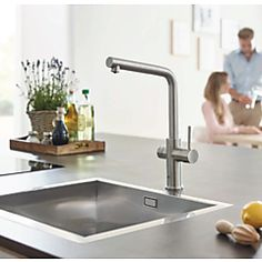 Grohe Blue Home kjøkkenarmatur Med filtrert, avkjølt og musserende vann Grohe Blue, Water Systems, Your Perfect, Kitchen Design, Sink, Interior Design, Drinking, Website, Home Decor