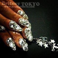 Swarovski crystals nail artbyBritney TOKYO☆  ✌ ✿ ✡ ✟ ☺ ✞ TOKYO meets HOLLYWOOD ✞ ☺ ✟ ✡ ✿✌