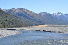 Black Range from Waimakariri River. Photo by Generalising (Creative Commons)