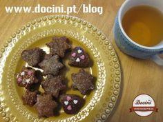 Mini Bolos de Chocolate com Doce de Morango