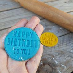 Happy birthday cookie cutter Happy Birthday Embosser Stamp | Etsy Number Cookie Cutters, Custom Cookie Cutters, Cookie Cutter Set, Custom Cookies, Happy Birthday Cookie, Birthday Cookies, Personalized Cookies, Price Of Stamps, Logo Cookies