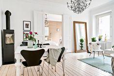 foorni.pl | W stylu skandynawskim, kominek wolnostojący w salonie