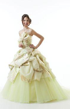 ブライダリウム ミュー No.15-0082 | ウエディングドレス選びならBeauty Bride(ビューティーブライド)