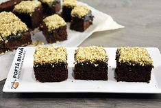 Fluffy brownie with glaze and nuts, the simplest and fastest recipe Cake Videos, Food Cakes, Fudge, Cravings, Cake Recipes, Biscuits, Deserts, Good Food, Cooking Recipes