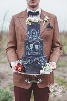 Chalkboard Wedding Cake. So awesome!