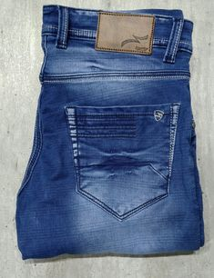 Checks Jeans The Latest Style Trend In Men's Denim Elastic Jeans, Armani Jeans Men, Perfect Jeans, Denim Jeans Men, Latest Fashion Trends, Skinny, Jeans Pocket, Rest Room, Style Fashion