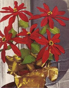 1951 Christmas Poinsettia Vintage Crochet Pattern PDF by annalaia, $3.75