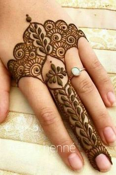 Henna Hand Designs, Dulhan Mehndi Designs, Arte Mehndi, Mehndi Designs Finger, Modern Henna Designs, Henna Tattoo Designs Simple, Mehndi Designs For Beginners, Mehndi Designs For Girls, Mehndi Design Photos