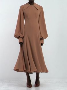 EMILIA WICKSTEAD Gaynor panelled midi dress - The Effective Pictures We Offer You About outfits 2019 A quality picture can tell you many things. Abaya Fashion, Muslim Fashion, Modest Fashion, Fashion Clothes, Fashion Dresses, Outfits Mujer, Dress Outfits, Dress Anak, Hijab Fashionista