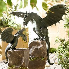 Dragon Statues - I would love this in my garden Dragon Statue, Dragon Art, Dragon Garden, Magical Creatures, Fantasy Creatures, Dragon Oriental, Dragon Dreaming, Dragon's Lair, Modelos 3d