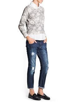 Floral print crop sweater crafted in a cotton-blend fabric. Round neck, dropped shoulder seams, long sleeves and ribbed edges. Manga, Cropped Sweater, Mock Neck, Jeans And Boots, Sweaters For Women, Floral Prints, Skinny Jeans, My Style, Tees