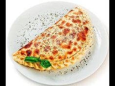 Рецепт приготовления закрытой пиццы «Кальцоне» http://bientasty.ru/retsept-prigotovleniya-zakrytoj-pitstsy-kaltsone/