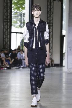 Ann Demeulemeester Menswear Spring Summer 2016 Paris - NOWFASHION