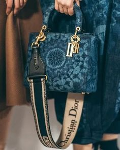 Stylish Dior handbag for any occasion Globale Mode Spring Survivalism Goes Glam Dior Purses, Dior Handbags, Fashion Handbags, Purses And Handbags, Fashion Bags, Cheap Handbags, Popular Handbags, Handbags Online, Spring Handbags