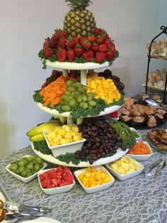 Party Food Platters, Party Trays, Party Snacks, Appetizers For Party, Party Buffet, Christmas Appetizers, Cheese Platters, Fruit Tables, Fruit Buffet