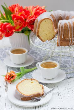 What do I live for? A slice of cake and a delicious cup of tea Good Morning Coffee, Coffee Break, Coffee Time, Pause Café, Breakfast Tea, Coffee Latte, Chocolate, High Tea, Afternoon Tea