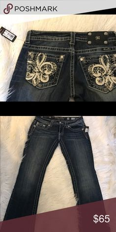 🔥NWT-price drop🔥miss me flare jeans New with tags! Rhinestone detail-28x34 Miss Me Jeans Flare & Wide Leg