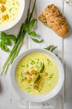 Chicken Broth Soup, Bone Broth Soup, Chicken Bone Broth Recipe, Chicken Broth Recipes, Thai Coconut Chicken, Coconut Curry Chicken, Raw Food Recipes, Soup Recipes, Diet