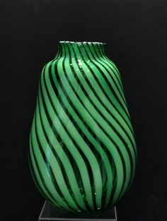 Weicheng Nice vase Made of Super Thick Handmade Glass