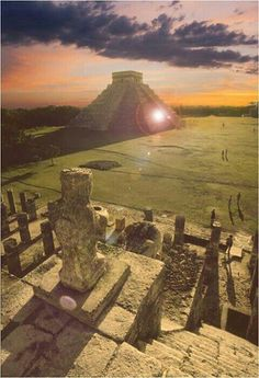 Sunset at the Great Pyramid in Chichen-itza, yucatan Mexico Places Around The World, Oh The Places You'll Go, Places To Travel, Places To Visit, Travel Destinations, Riviera Maya, Pyramid At Chichen Itza, Chichen Itza Mexico, Wonderful Places
