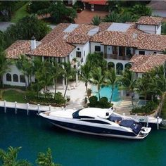 "Luxury Homes Interior Dream Houses Exterior Most Expensive Mansions Plans Modern 👉 Get Your FREE Guide ""The Best Ways To Make Money Online"" Florida Mansion, Florida Home, Florida Living, Luxury Boat, Luxury Yachts, Harbor Beach, Dream Mansion, Luxury Homes Dream Houses, Dream House Exterior"