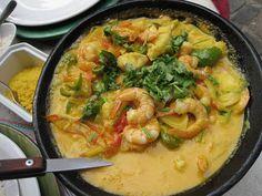 Moqueca de Camarão 24 Traditional Brazilian Foods You Need To Eat Right Now Brazilian Dishes, Brazilian Recipes, Seafood Recipes, Cooking Recipes, Shrimp Stew, Comida Latina, Eat Right, International Recipes, Food Porn