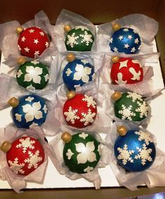 Christmas Ornament Cupcakes 2016  on Cake Central