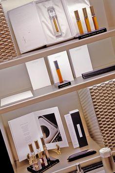 罗马Campomarzio 70精品店内古典与现代相交融的装饰风格与Puredistance 香水系列的风格完美融合。