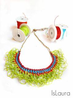Idea bijoux estivi: #collier super colorato da creare in maniera semplice e veloce con un uncinetto e del cordino cerato. Turorial di IsLaura