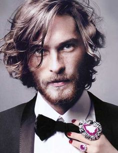 Mens+long+wavy+hairstyle+2015