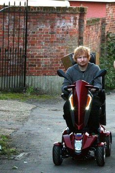 Hahaha what the hell is he up to? Edward Christopher Sheeran, Mister Ed, Ed Sheeran, I Love Him, Ginger Head, Ben Howard, James Blunt, Baby Daddy, 30 Years