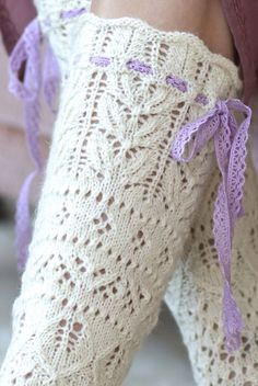 Knitted from Novita Venla yarn and adorned by a pair of ribbons, these beautiful lace socks are replete with the spirit of spring. Knitting Stitches, Knitting Socks, Knitting Patterns, Knit Socks, Stocking Pattern, Lace Socks, Lace Patterns, Stockinette, Knit Or Crochet