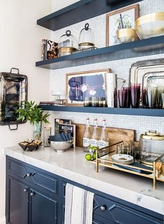 Home Tour: Kitchen Reveal | Emily Jackson from The Ivory Lane. Love this butler pantry! #homedecor #kitchen Design by Alice Lane Home
