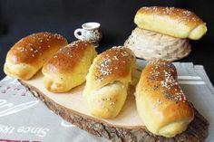 Reteta Painici cu lapte (Anpan bread) Bread Rolls, Hamburger, Food, Meal, Rolls, Eten, Hoods, Burgers, Meals