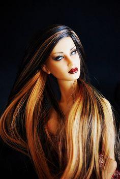 Beautiful Repaint - love the multi-tone hair.
