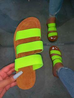 Green Sandals, Cute Sandals, Black Sandals, Shoes Sandals, Flats, Fluffy Sandals, Cute Ripped Jeans, Cute Slides, Birthday Fashion