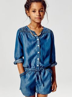 Discover the latest Massimo Dutti clothing, shoes and accessories for women, men or kids from the Spring/Summer 2020 collection. Fashion Kids, Little Girl Fashion, Outfits Niños, Kids Outfits, Denim Overall, Moda Chic, Little Fashionista, Tween Girls, Kind Mode