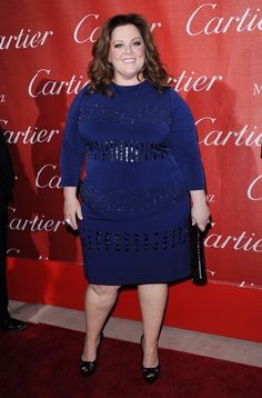I like the top of this look, but the horizontal stripes around the belly are not good.